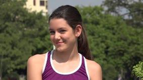 Gelukkig Tiener Atletisch Meisje stock videobeelden