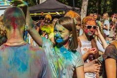 Gelukkig vuil meisje tijdens Festival Stock Fotografie