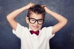 Gelukkig weinig jongen het stellen Royalty-vrije Stock Afbeeldingen