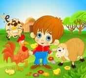 Gelukkig weinig jongen in landbouwbedrijf Stock Afbeelding