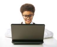 Gelukkige Afrikaanse Amerikaanse schooljongen Stock Foto's