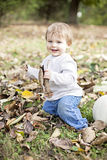 Gelukkige baby in aard Royalty-vrije Stock Afbeelding