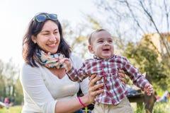 Gelukkige baby met mamma Royalty-vrije Stock Fotografie