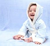 Gelukkige baby na bad stock foto