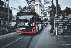 Gelukkige bus royalty-vrije stock afbeeldingen