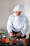 Gelukkige chef-kok op het werk Stock Foto's