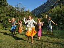 Gelukkige dansende familie Stock Foto