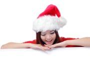 Gelukkige de schoonheidsglimlach die van Kerstmis aanplakbord toont Royalty-vrije Stock Afbeelding