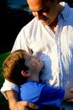 Gelukkige de zoon van de vader Stock Foto