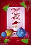 Gelukkige die Nieuwjaarskaart met Kerstboomballen en Santa On Red Background wordt verfraaid Stock Foto