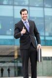 Gelukkige en succesvolle zakenman stock foto