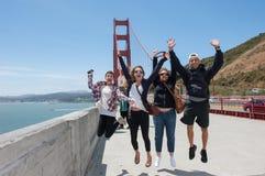 Gelukkige Familie die samen reizen stock fotografie
