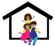 Gelukkige familie in het huis Stock Foto's