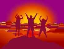 Gelukkige familie met handen die omhoog en pret op de bovenkant van berg springen hebben stock illustratie