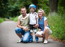 Gelukkige familie openlucht Stock Foto's