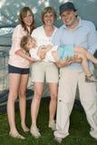 Gelukkige familie in tent stock afbeeldingen