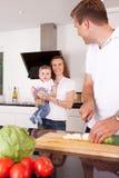 Gelukkige Familie thuis Stock Fotografie