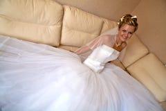 Gelukkige glimlachende bruid Stock Afbeeldingen
