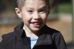 Gelukkige Glimlachende Jongen Stock Fotografie