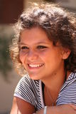 gelukkige glimlachende tiener Royalty-vrije Stock Foto's