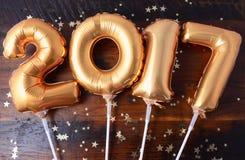 Gelukkige gouden het Nieuwjaarballon van 2017 Stock Afbeelding