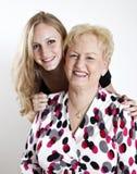 Gelukkige Grootmoeder en Grandaughter Stock Afbeeldingen