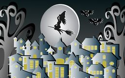 Gelukkige Halloween-heks die een bezem in de hemel boven het dorp in het midden van de maan en met een afschuwelijke spookknuppel stock foto's
