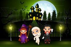 Gelukkige Halloween-jonge geitjes met een achtergrond van volle maan en groen licht vector illustratie