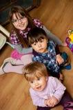 Gelukkige jonge kinderen royalty-vrije stock fotografie