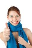 Gelukkige jonge vrouw in blauwe sjaal Royalty-vrije Stock Foto's