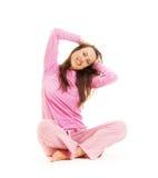 Gelukkige jonge vrouwenzitting op de vloer Royalty-vrije Stock Afbeelding
