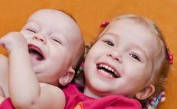 Gelukkige kleine kinderen Stock Foto's