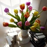 Gelukkige lerarendag, met de hand gemaakte tulpenbloem Stock Afbeelding
