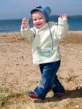 Gelukkige lopende jongen Royalty-vrije Stock Foto