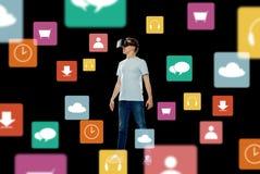 Gelukkige mens in virtuele werkelijkheidshoofdtelefoon of 3d glazen Stock Afbeeldingen