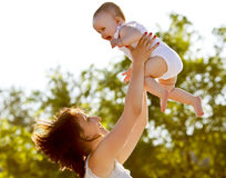 Gelukkige moeder en baby Royalty-vrije Stock Foto