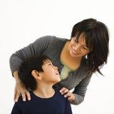 Gelukkige moeder en zoon Royalty-vrije Stock Afbeelding