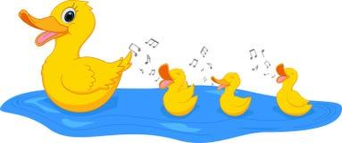 Gelukkige Moedereend die met eend zwemmen royalty-vrije illustratie