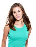 Gelukkige mooie glimlachende jonge vrouw Royalty-vrije Stock Foto
