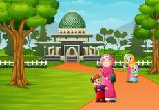 Gelukkige moslimmensen die voor moskee stellen vector illustratie