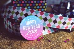 Gelukkige nieuwe jaar 2018 kaart met kleurrijke decoratie Stock Afbeelding
