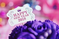 Gelukkige nieuwe jaar 2018 kaart met kleurrijke decoratie Stock Afbeeldingen