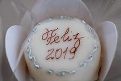 Gelukkige nieuwe jaarcake 2019 stock afbeelding
