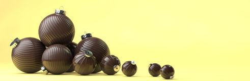 Gelukkige nieuwe jaarsamenstelling met de decoratie van het chocoladespeelgoed Stock Afbeelding