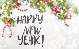 Gelukkige Nieuwjaarskaart met Kerstmisdecoratie Stock Fotografie