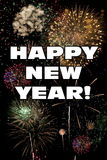 Gelukkige Nieuwjaarwoorden met Kleurrijk Vuurwerk Royalty-vrije Stock Foto's