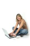 Gelukkige Online Vrouw Stock Afbeeldingen