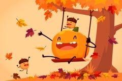 Gelukkige pompoen en eikels die op schommeling in de herfstbladeren spelen Stock Foto's