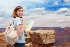 Gelukkige reisvrouw in Amerika Royalty-vrije Stock Foto's