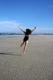 Gelukkige springende vrouw Royalty-vrije Stock Afbeeldingen